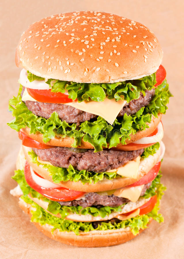 Hamburger énorme image libre de droits