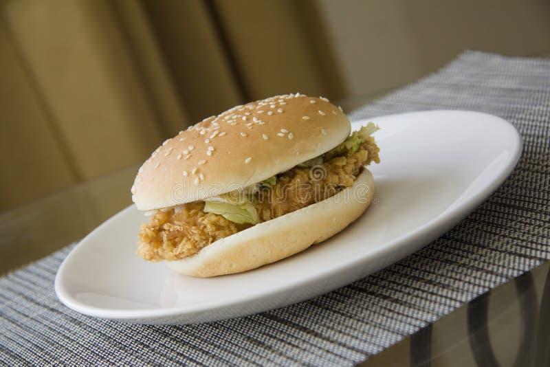 Hamburger américain de plat photographie stock