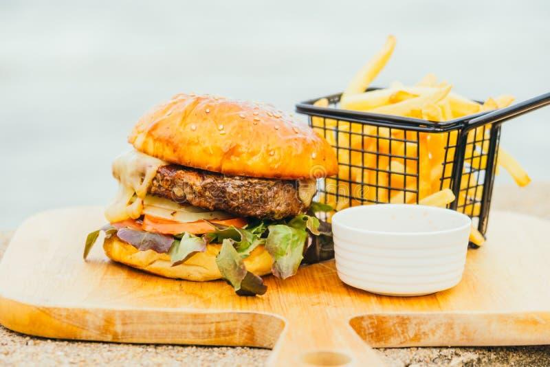 Hamburger del manzo immagine stock