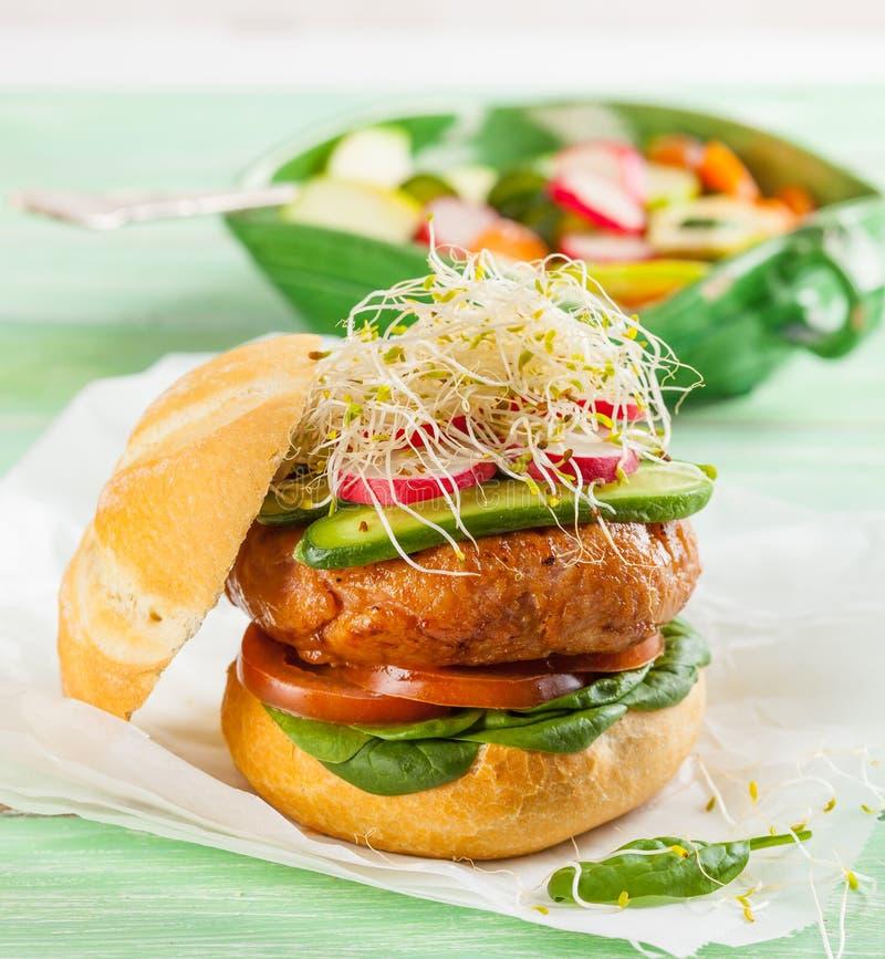 Hamburger do gourmet fotografia de stock royalty free