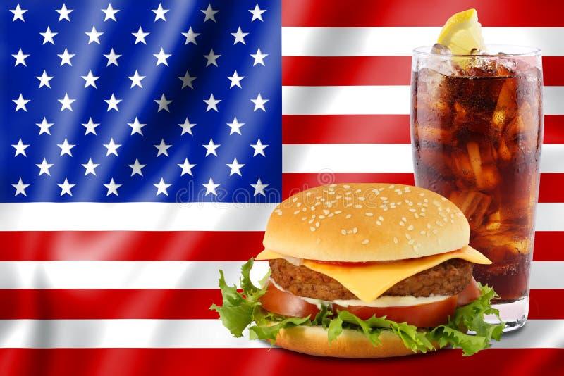 Hamburger e cola com bandeira dos EUA. fotos de stock royalty free