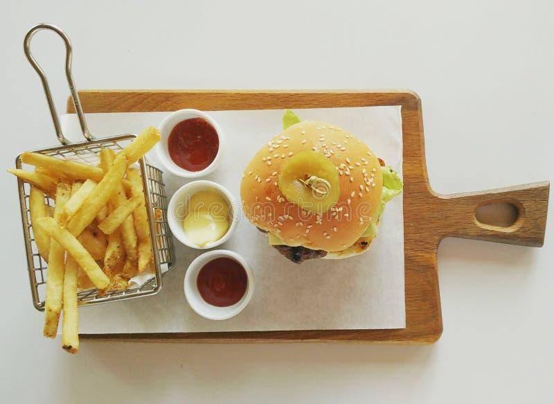 Hamburger e fritadas foto de stock royalty free