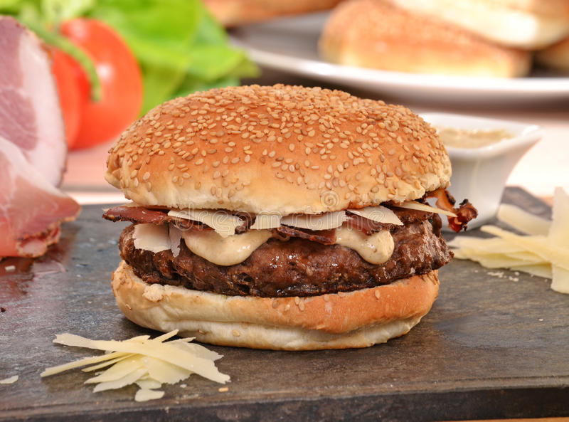 hamburger i składniki zdjęcie royalty free