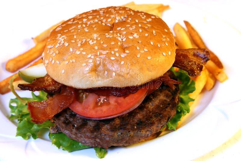 Hamburger inteiro foto de stock