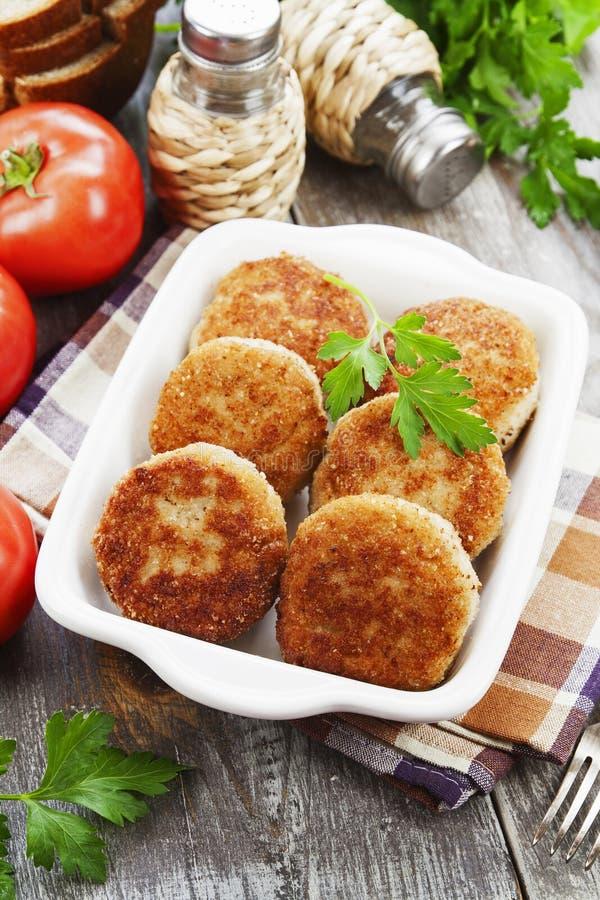 Hamburger nel piatto immagine stock libera da diritti