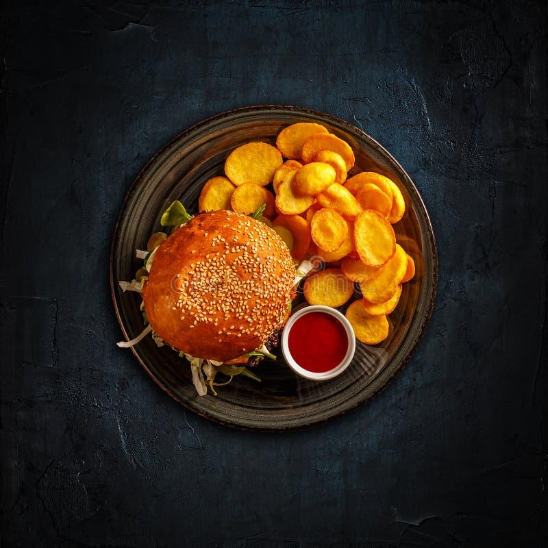 Hamburger savoureux frais images libres de droits