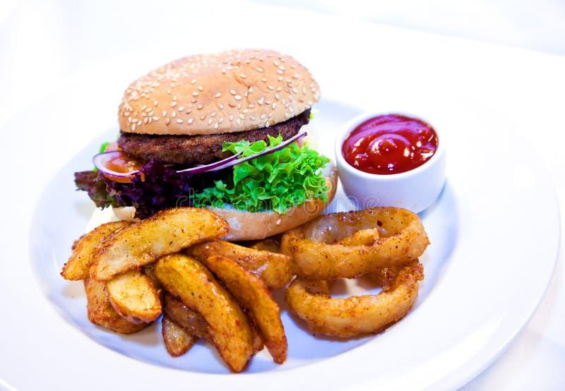 Hamburgermahlzeit lizenzfreie stockfotografie