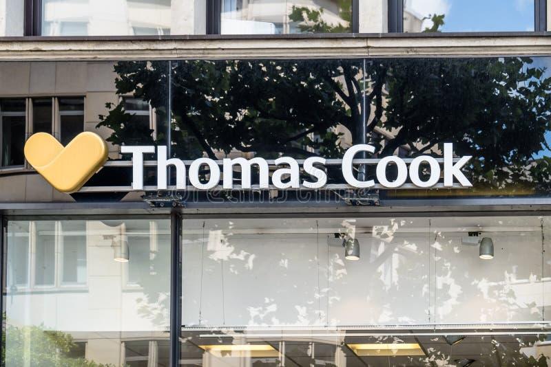 Hamburgo/Alemanha - 14 de julho de 2017: A agência de viagens de Thomas Cook é situada perto do townhall na cidade imagem de stock royalty free