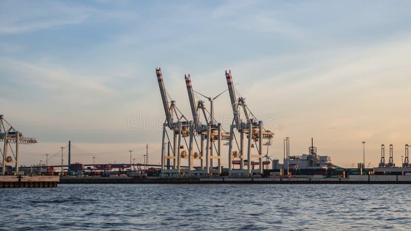 Hamburgo, Alemania El puerto y los astilleros imagen de archivo