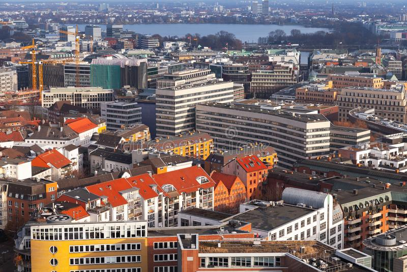 Hamburgo, Alemania Silueta del hombre de negocios Cowering imagen de archivo libre de regalías