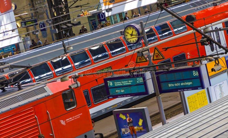 Hamburski Hauptbahnhof, główna stacja kolejowa Hamburski miasto, Niemcy obrazy royalty free