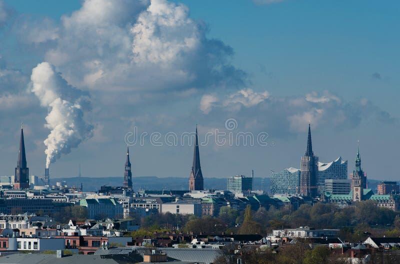 Hamburski linia horyzontu widok od dachu zdjęcie royalty free