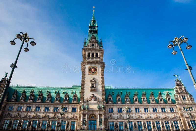 Hamburski urząd miasta buildiing lokalizować w Altstadt ćwiartce w centrum miasta przy Rathausmarkt kwadratem obrazy royalty free