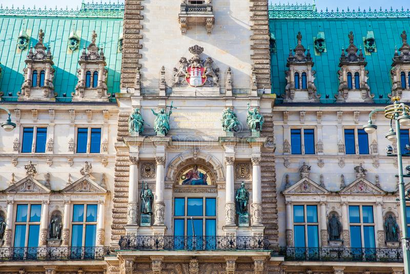 Hamburski urząd miasta buildiing lokalizować w Altstadt ćwiartce w centrum miasta przy Rathausmarkt kwadratem obraz royalty free