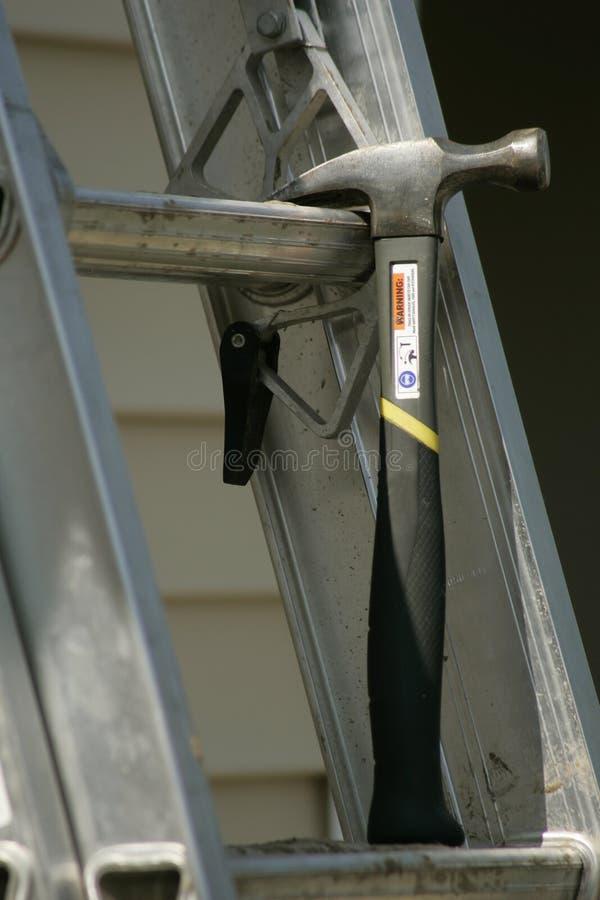 Download Hamer en Ladder stock foto. Afbeelding bestaande uit project - 276806
