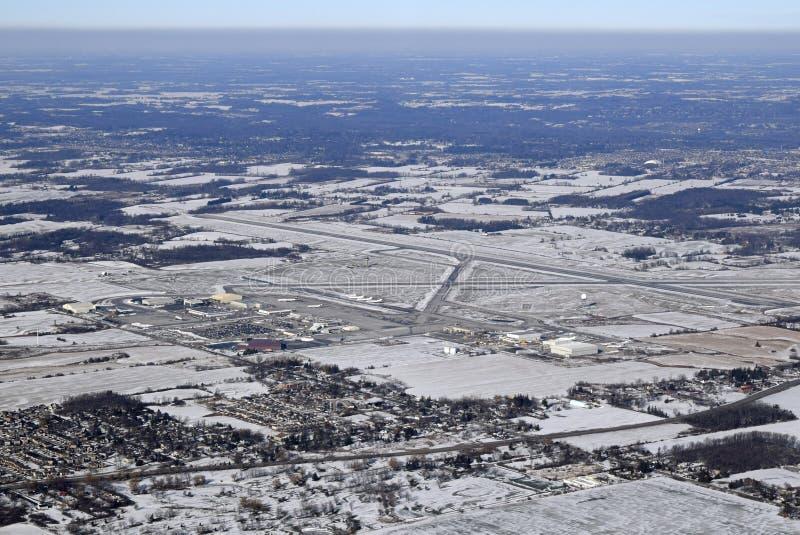 Hamilton International-Flughafen Winterantenne lizenzfreie stockbilder