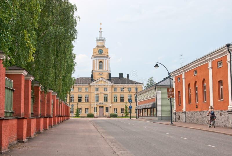 Hamina finland Bycykle da equitação da mulher imagem de stock