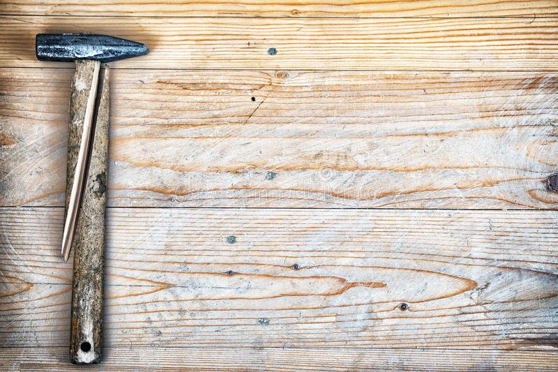 Hammer mit einem defekten Griff lizenzfreies stockfoto