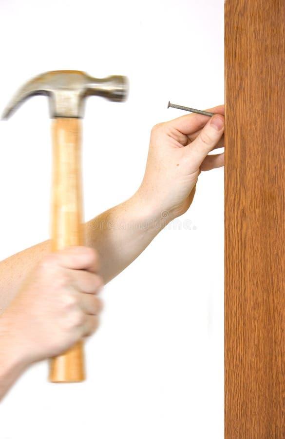 Download Hammer und Nagel stockbild. Bild von griff, klopfen, erneuerung - 36177