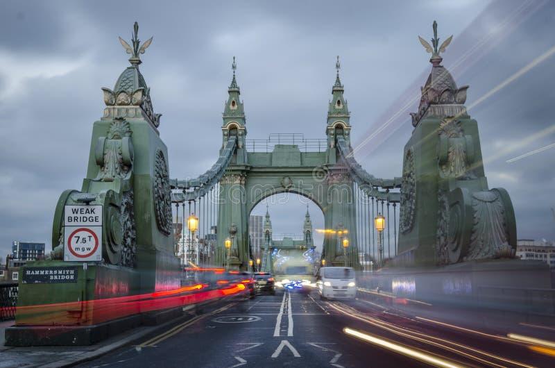 Hammersmithbrug over de Theems in Londen royalty-vrije stock foto