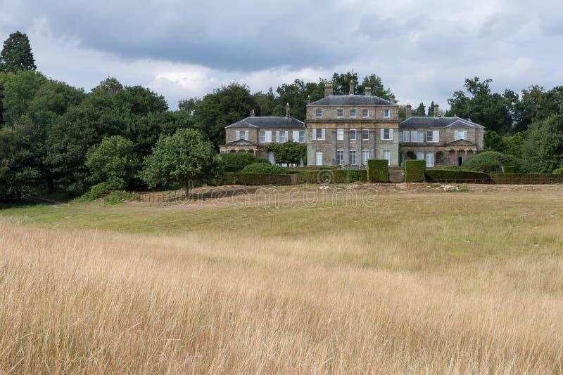 HAMMERWOOD, SUSSEX/UK - 23 DE JULHO: Vista da casa do parque de Hammerwood imagem de stock