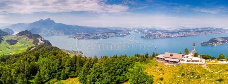 Hammetschwand winda w Alps blisko Burgenstock z widokiem Szwajcarscy Alps i Vierwaldstattersee, Szwajcaria, Europa obrazy royalty free
