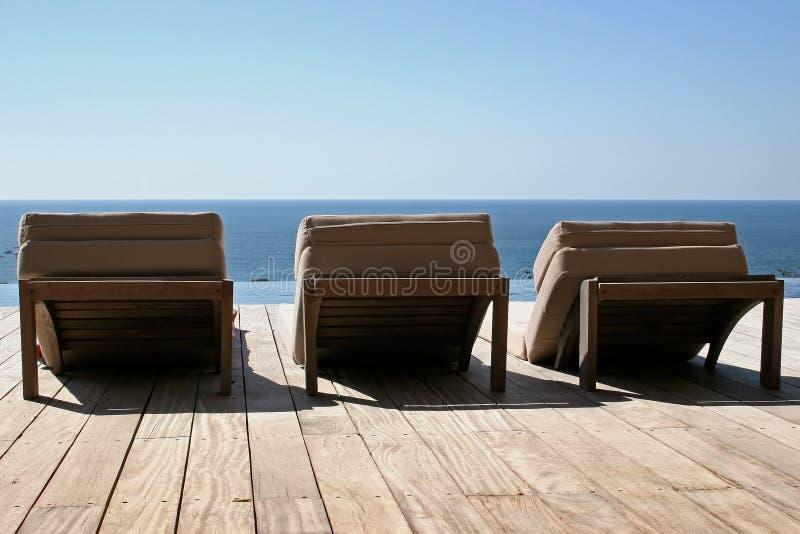 hammocks терраса деревянная стоковые фото