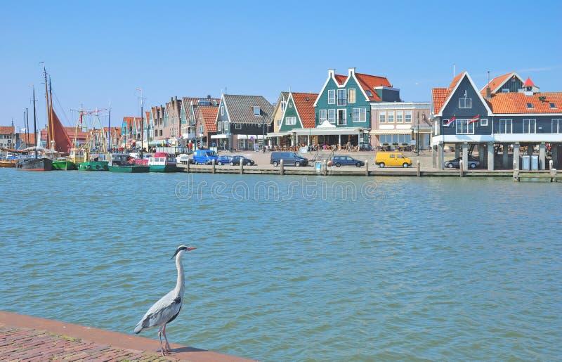 Hamn av edamer-Volendam på Ijsselmeer, Nederländerna arkivfoto