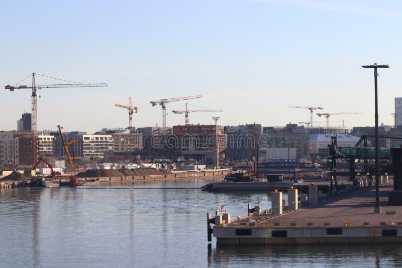 Hamn av Helsingfors i Finland på ferie royaltyfri fotografi