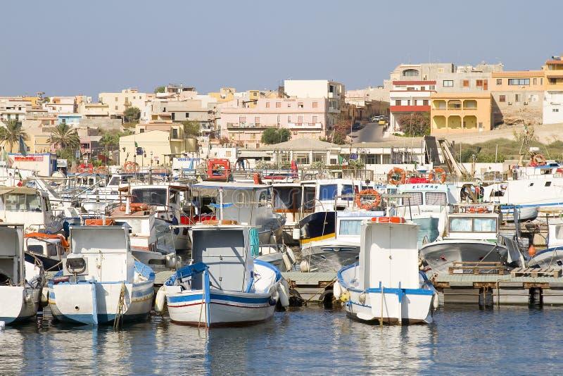 Hamn av Lampedusa arkivbilder