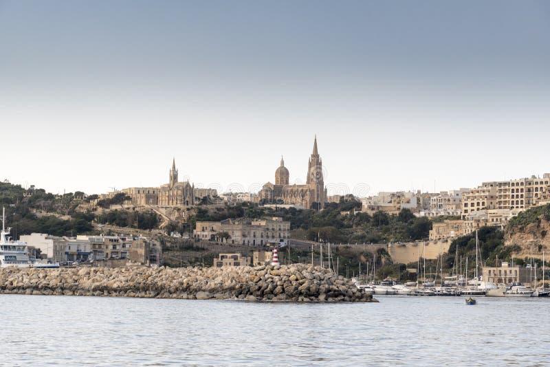 Hamn Gozo för MÄ-¡ arr från havet royaltyfri bild