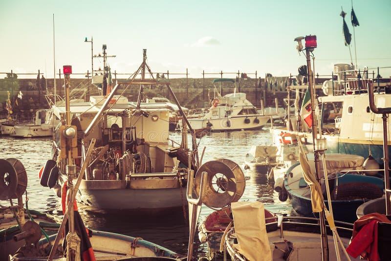Hamn i Camogli royaltyfri foto