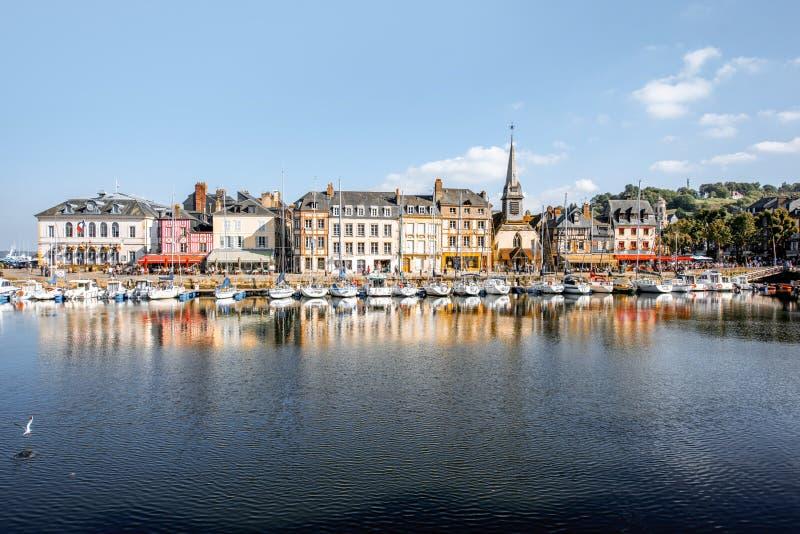 Hamn i den Honfleur staden, Frankrike arkivfoton
