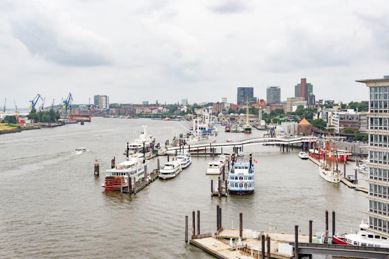 Hamn i Hamburg arkivbilder