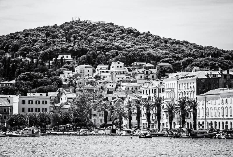 Hamn i splittring, Kroatien som är akromatisk royaltyfria foton