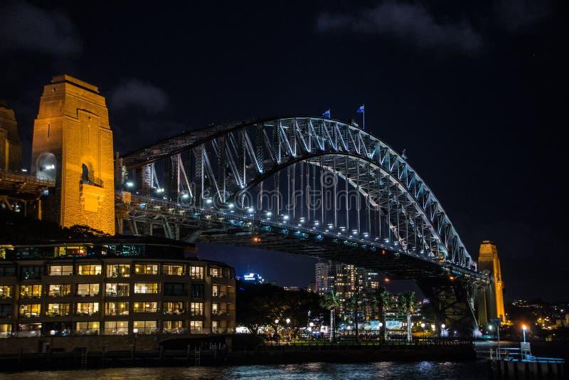 Hamnbro vid natt royaltyfri fotografi