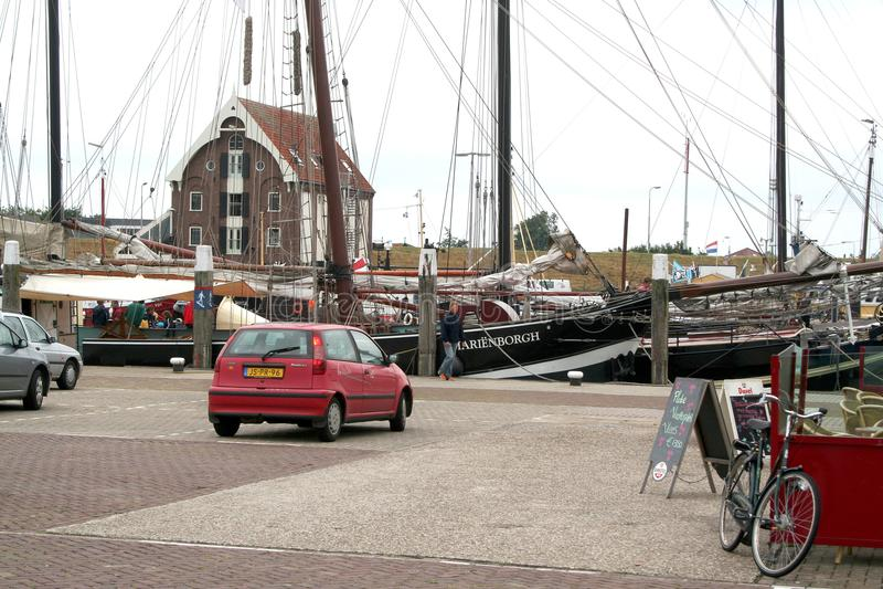 Hamnen av Texel i Oudenschild arkivfoton