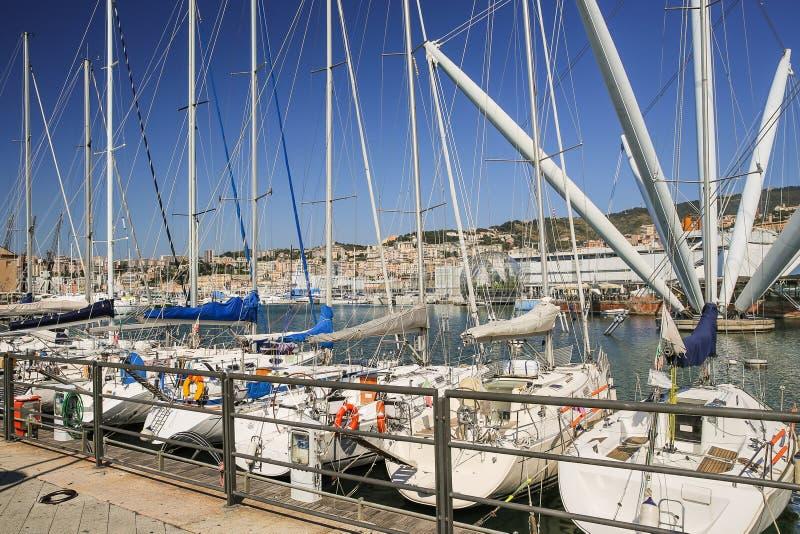 Hamnen i Genua i Italien royaltyfri fotografi