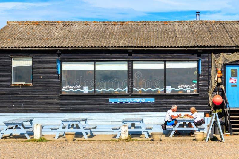 Hamnkafé på den Southwold hamnen arkivfoto