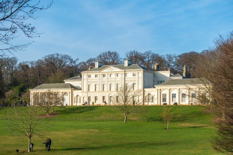 HAMPSTEAD, LONDON/UK - 27 DE DICIEMBRE: Vista de la casa de Kenwood en H foto de archivo libre de regalías