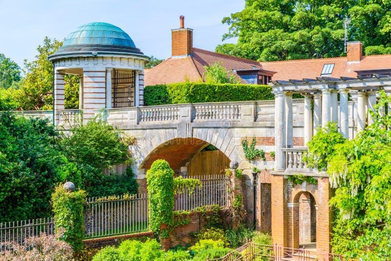 Hampstead pergola och kulleträdgård royaltyfri fotografi