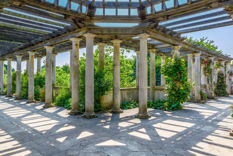 Hampstead pergola och kulleträdgård royaltyfria foton
