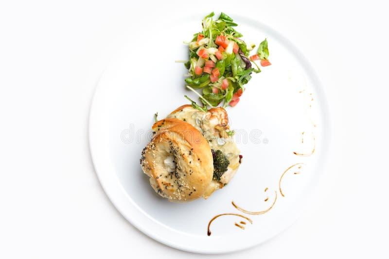 Hampton Bagel avec le poulet et le Gorgonzola images stock