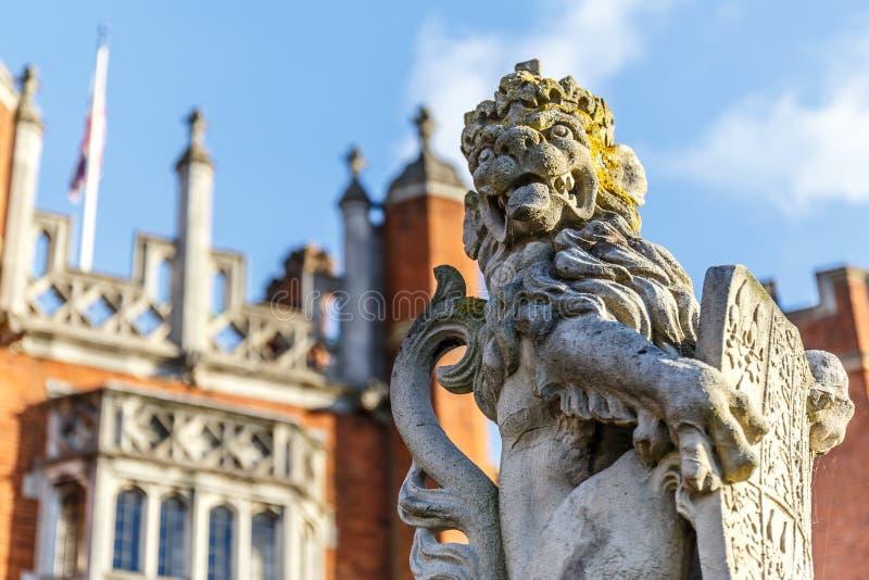 Hampton Court in autunno fotografia stock