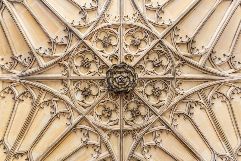 Hampton Court dans le jour d'été photographie stock libre de droits