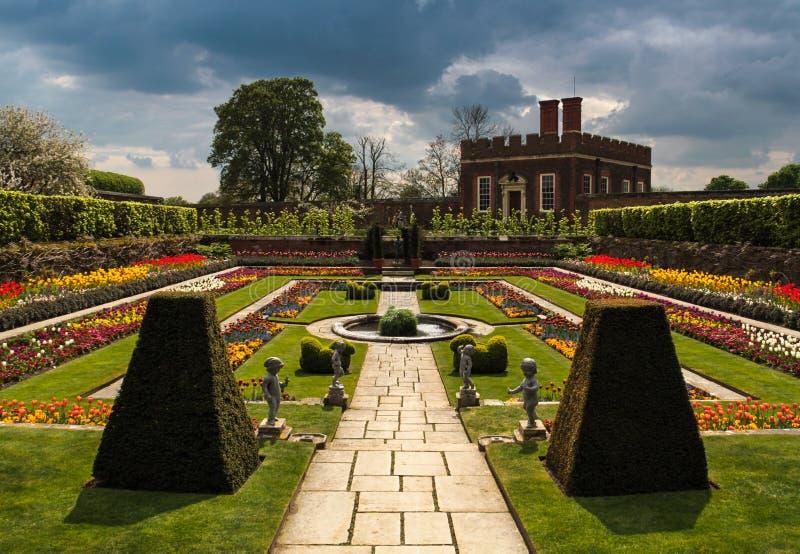 Hampton Court Palace Garden Surrey Engeland royalty-vrije stock afbeeldingen