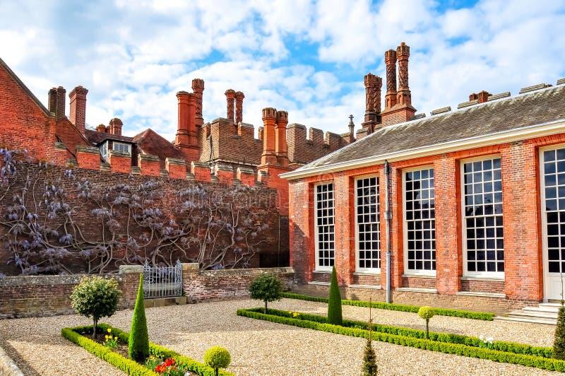 Hampton Court Palace a Richmond, Londra, Regno Unito fotografia stock libera da diritti