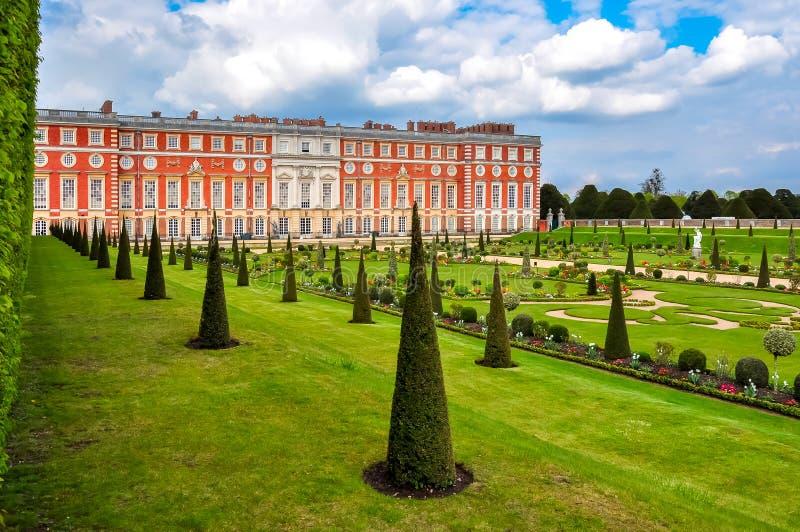 Hampton Court-tuinen, Londen, het UK stock fotografie