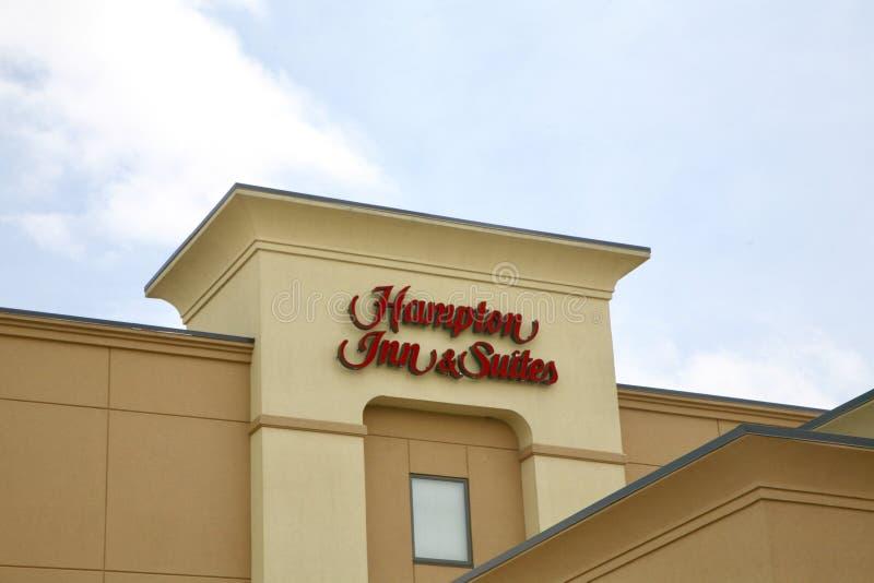 Hampton Inn- u. Reihen-Zeichen stockfotografie
