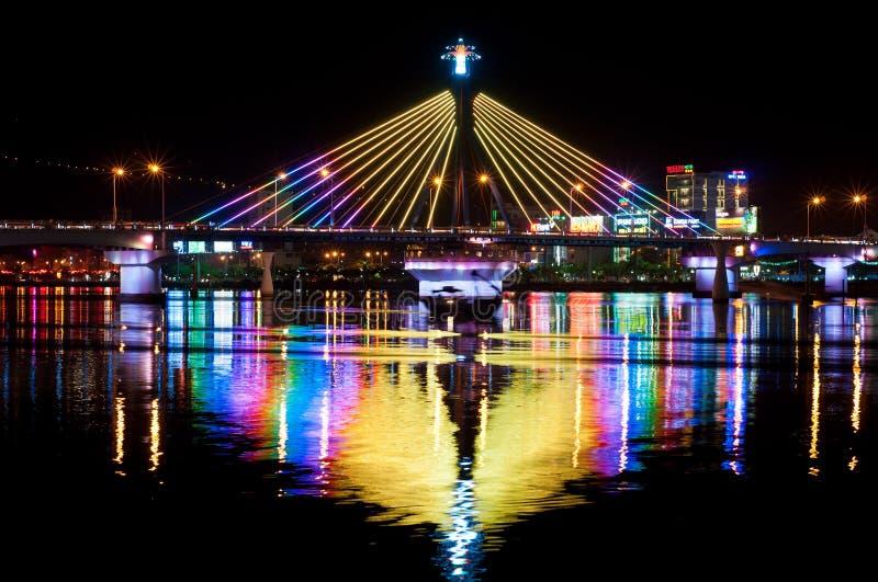 Han-Fluss-Brücke in Danang lizenzfreie stockfotos